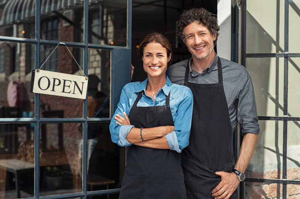 small-business-owners-couple-DUENGKX